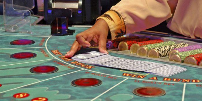 Chia sẻ bí kíp cách chơi baccarat dễ thắng kiếm tiền