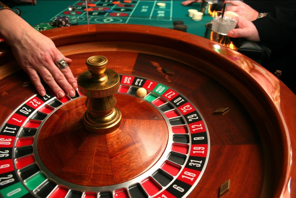 Cò quay Roulette là gì ? Hướng dẫn bạn cách chơi cò quay Roulette.